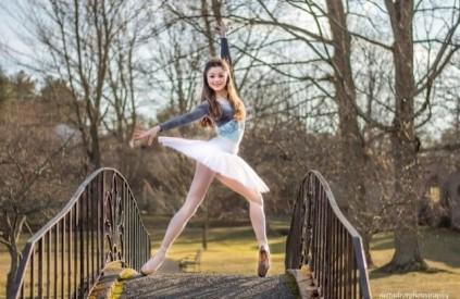 balletomane in park
